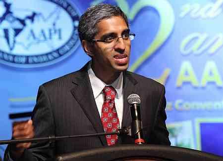Doctor Vivek Murthy en conferencia